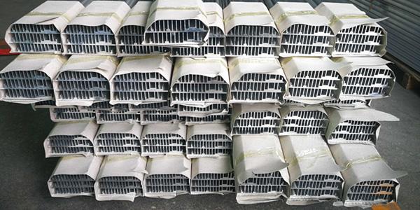 铝型材挤压厂家节前出样能否达到客户要求?信从义冇问题